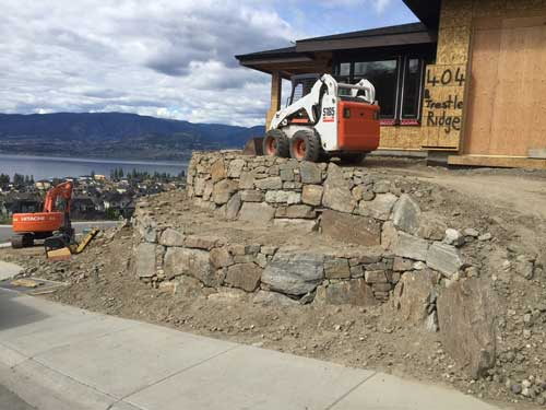 rock retaining wall contractor okanagan